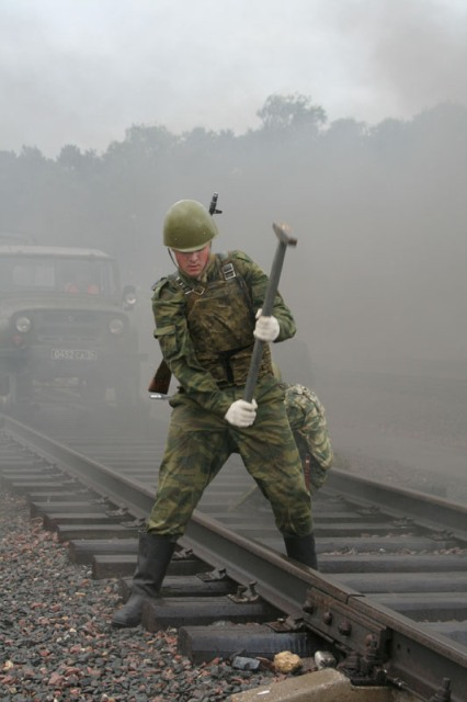 http://englishrussia.com/images/russian_army_rails/6.jpg