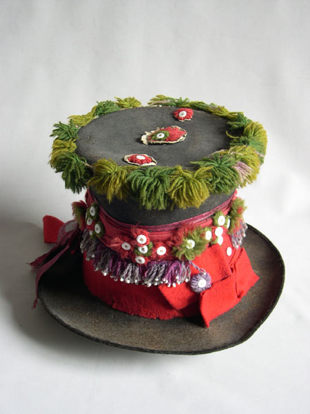 hats of russian people 9
