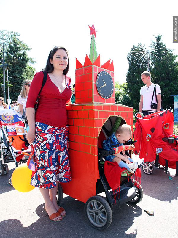 Russian Strollers Parade 19
