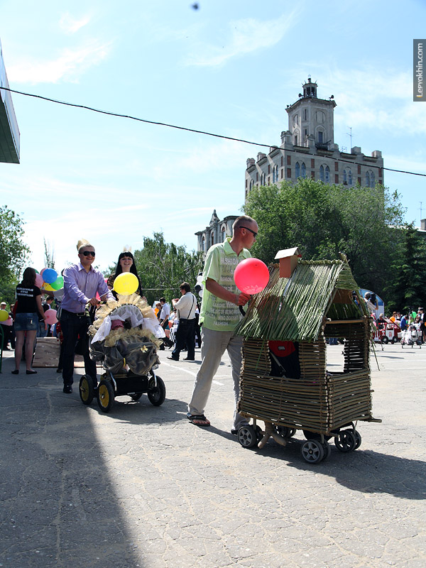 Russian Strollers Parade 49