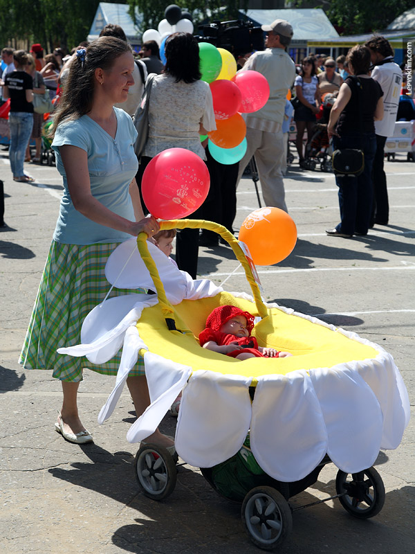 Russian Strollers Parade 55