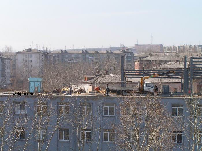 russians save on construction crane 3