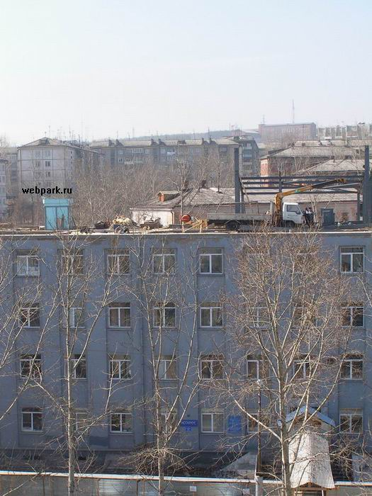 russians save on construction crane 4