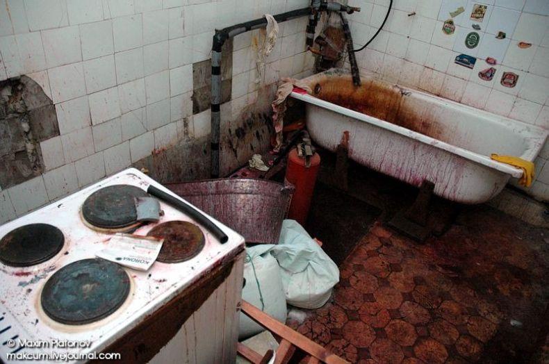 Russian school stays abandoned 23