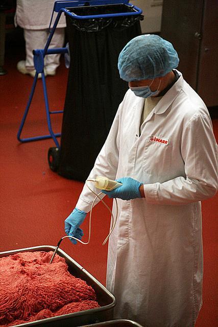 4993222887 84c9e06a36 z Rahasia Proses Pembuatan Burger Mc Donald