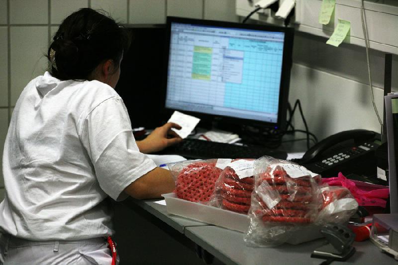 4993837096 0faa637665 o Rahasia Proses Pembuatan Burger Mc Donald