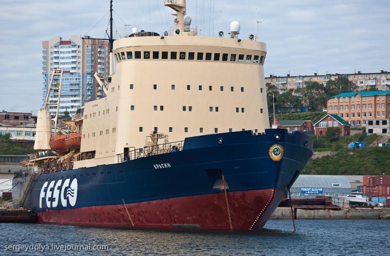 Ships of Vladivostok 33
