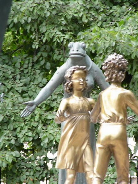 Russian monument with children and sin 5