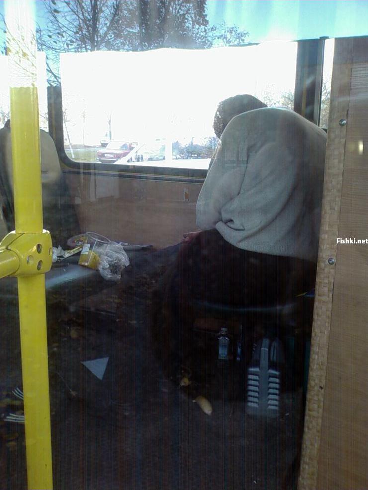 Russian driver sleeps in bus 2