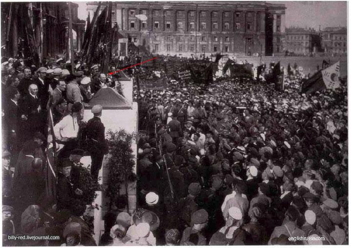 4 10 Foto foto Manipulasi Jaman Uni Soviet Di Mana Photoshop Belum Ada!!