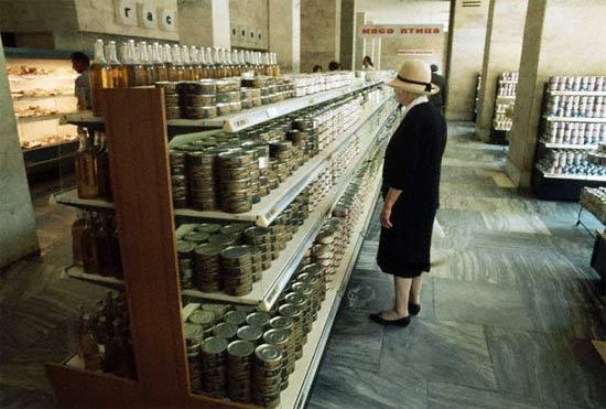 ¡Antes de la perestroika y  la perestroika en imágenes  estantes de supermercados! 10