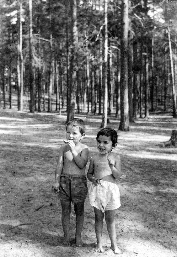 Bienestar de los niños Sovieticos ( época de Stalin ) - Página 2 25