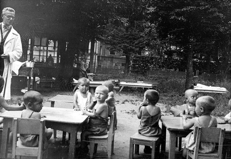 Bienestar de los niños Sovieticos ( época de Stalin ) - Página 2 35