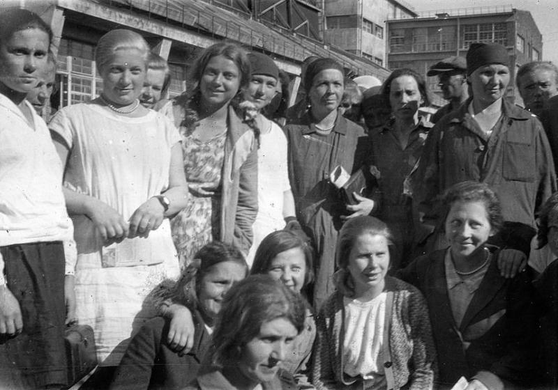 Bienestar de los niños Sovieticos ( época de Stalin ) - Página 2 37