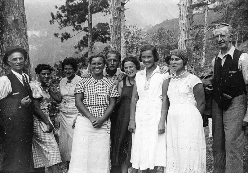 Bienestar de los niños Sovieticos ( época de Stalin ) - Página 2 5