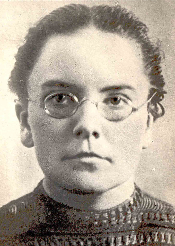some historical photos of the soviet worker women 5