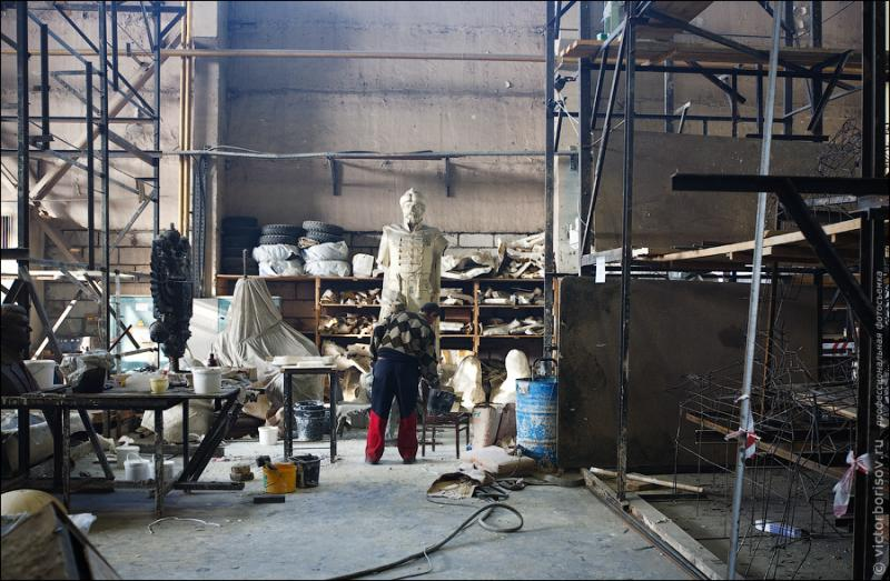 Statues And Sculptures Production 2