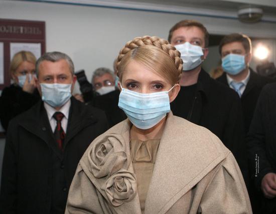 Russian masks craziness in Ukraine - with swine flu 10