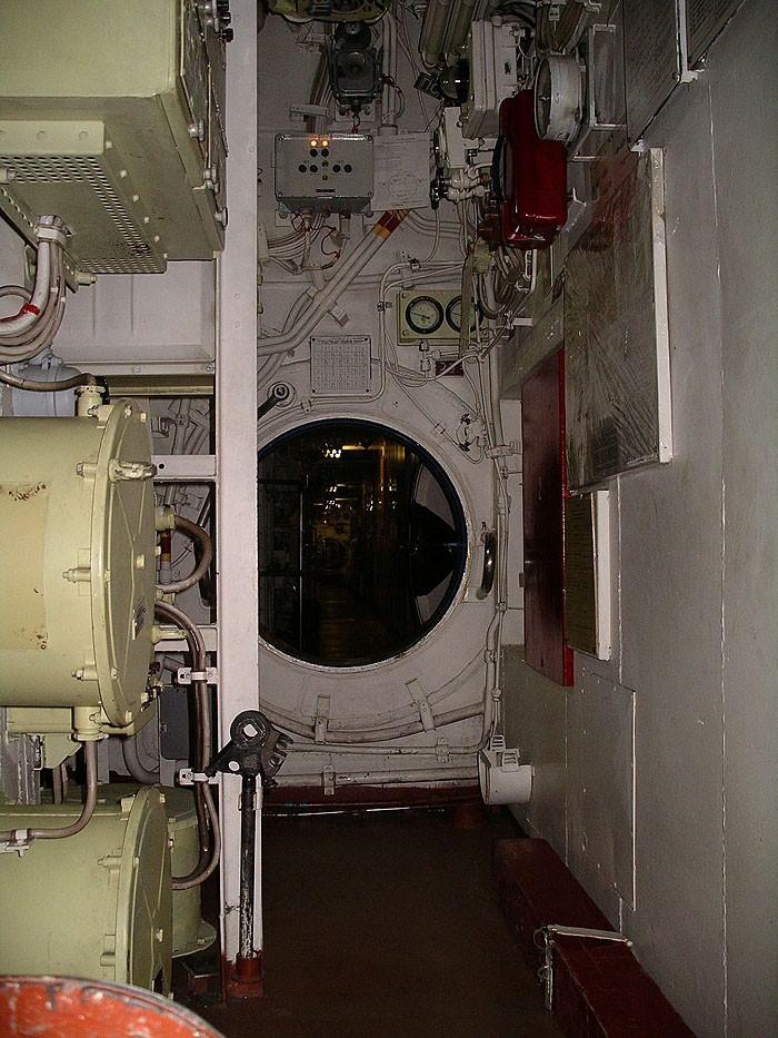 World's Biggest Submarine - Russian Submarine Typhoon 66