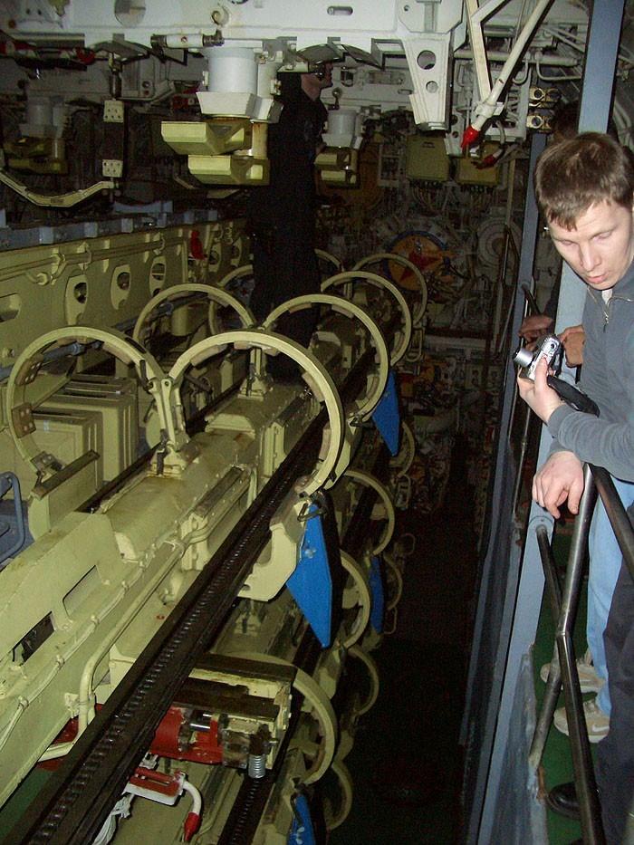 World's Biggest Submarine - Russian Submarine Typhoon 79