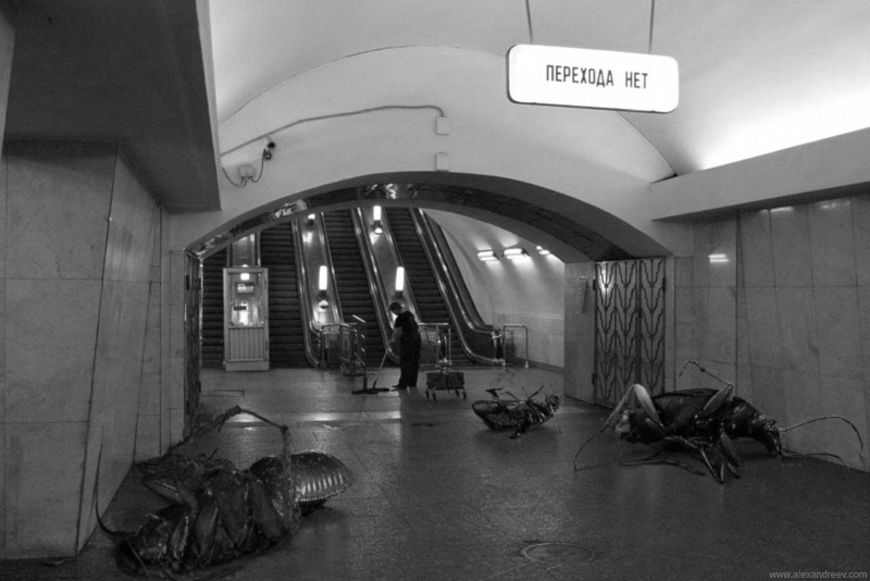 http://media.englishrussia.com/subway_zombies/7.jpg