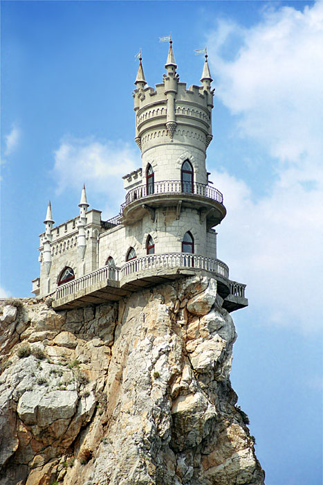 Swallow\'s Nest, the castle over the sea in Crimea 1