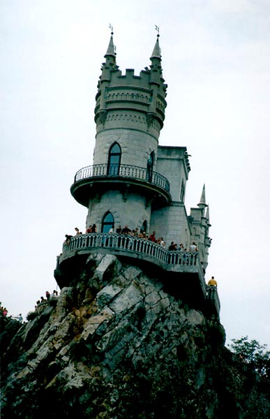 Swallow\'s Nest, the castle over the sea in Crimea 10