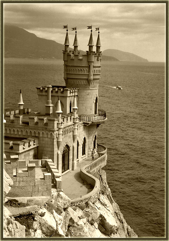 Swallow\'s Nest, the castle over the sea in Crimea 6