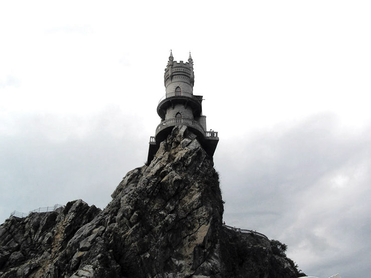 Swallow\'s Nest, the castle over the sea in Crimea 7