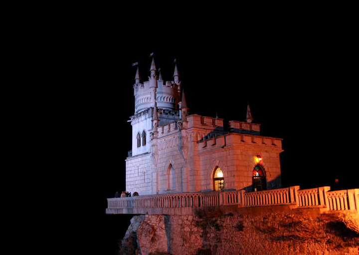 Swallow\'s Nest, the castle over the sea in Crimea  8