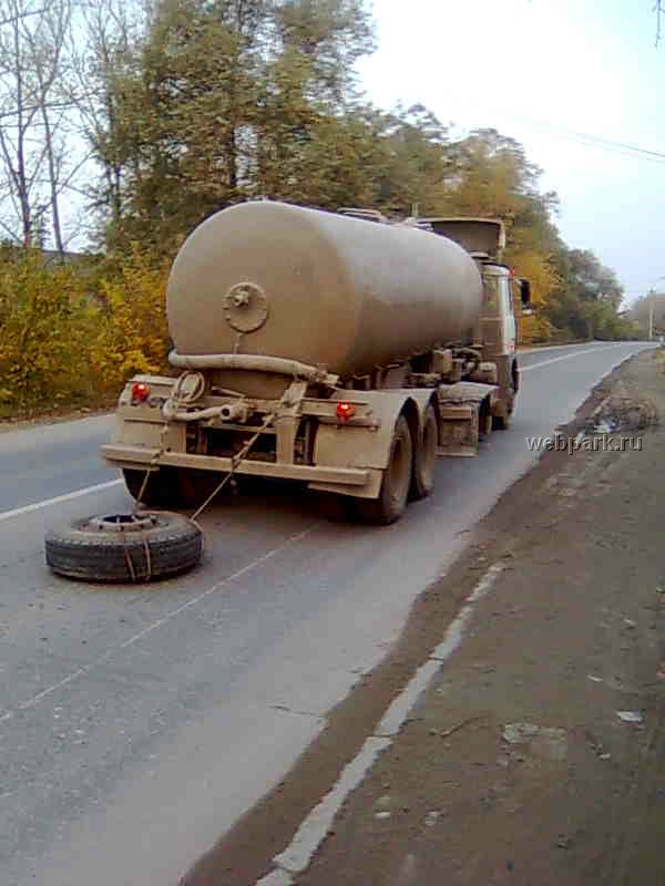 Russian car without a wheel 6