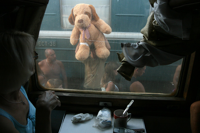 Russian toys sold to train passengers 2