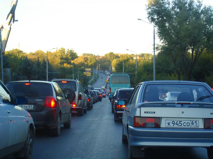 road police stuck in traffic jam in Russia 1