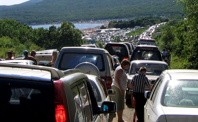 Colossal traffic jam in Vladivostok city 1