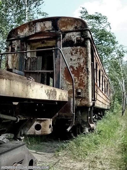 train_cemetery 8