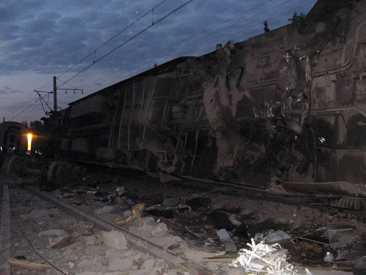 train wrecked in Russia 11