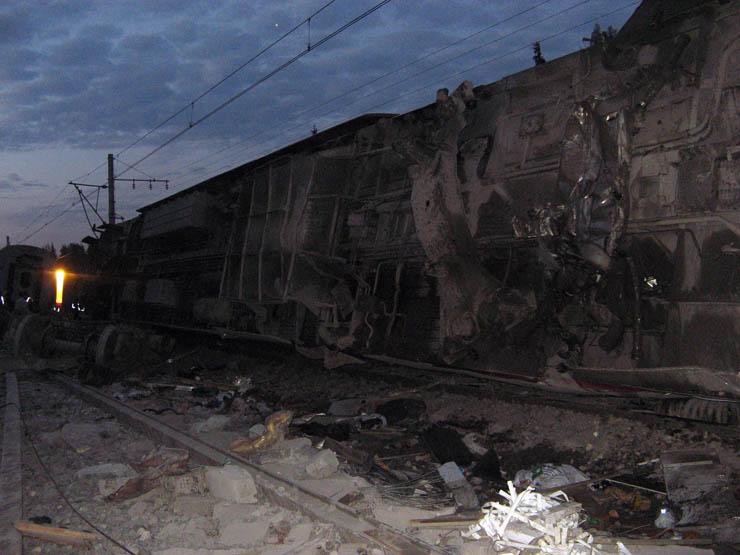 train wrecked in Russia 11