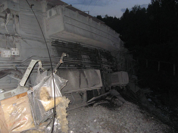 train wrecked in Russia 12