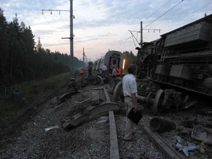 train wrecked in Russia 13
