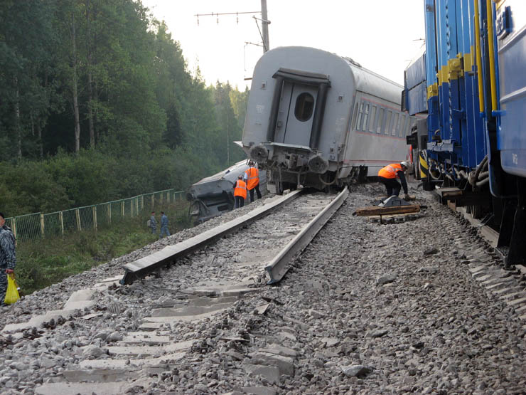 train wrecked in Russia 14