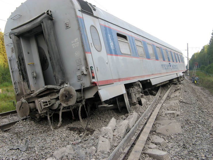 train wrecked in Russia 15