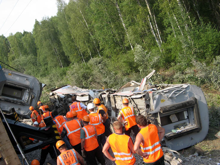 train wrecked in Russia 16