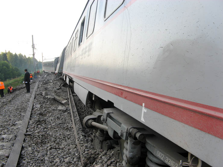 train wrecked in Russia 17