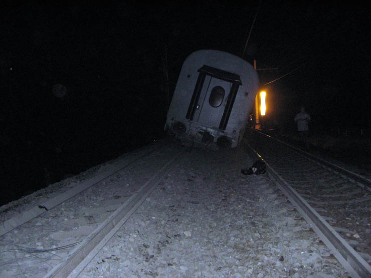 train wrecked in Russia 5