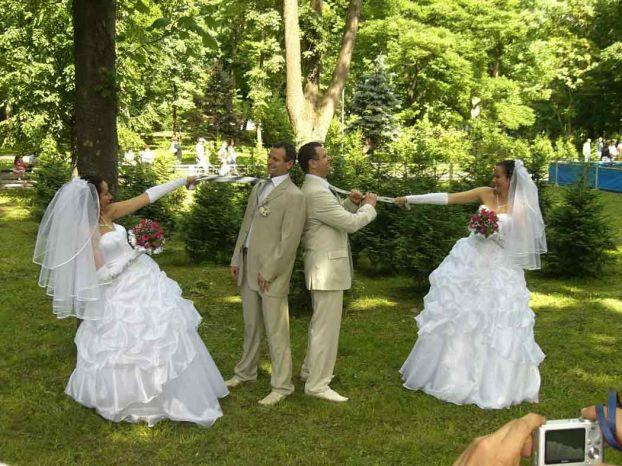 twins wedding ceremony in the Ukraine 1