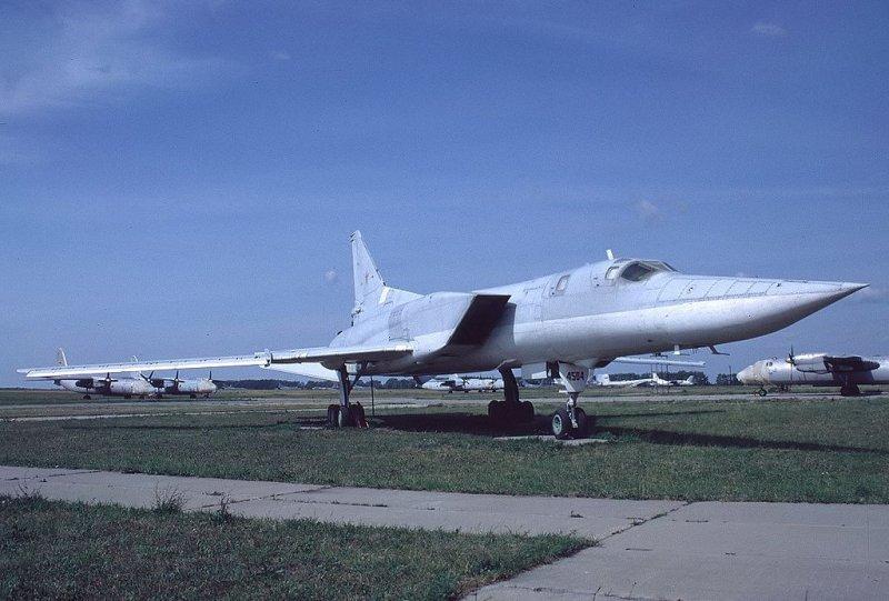 Russian bomber TU-22M 12