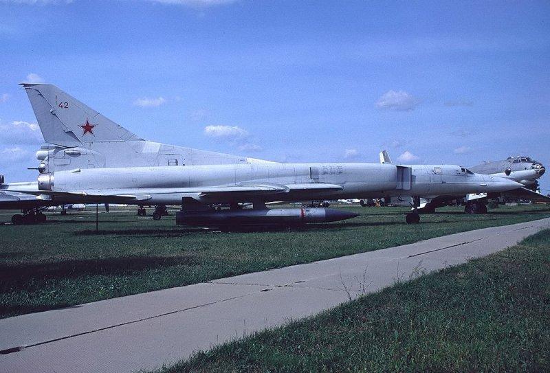 Russian bomber TU-22M 13