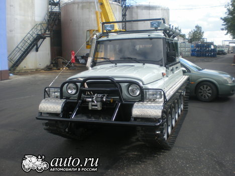 UAZ car with tracks instead of wheels in Russia 6