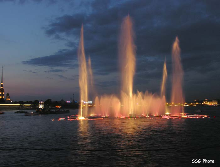 Underwater fountain in St. Petersburg, Russia 3