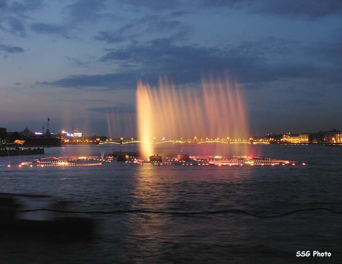 Underwater fountain in St. Petersburg, Russia 8
